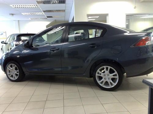 Mazda2 Sedan005