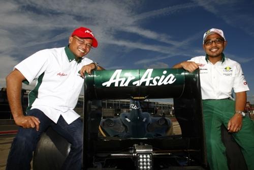 Lotus Racing Silverstone 2010.002
