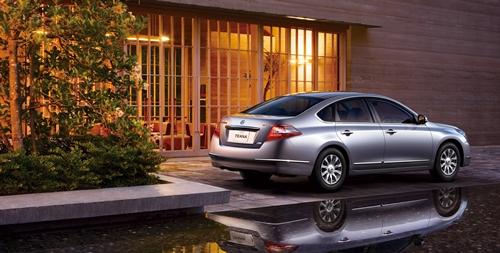 Nissan Teana 2010.08