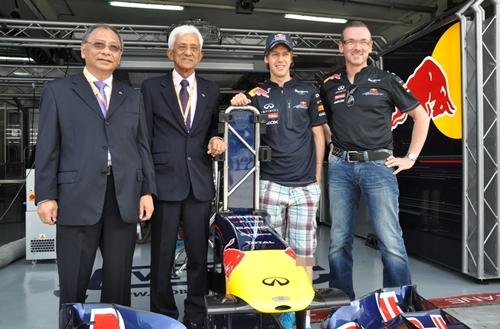 Infiniti Red Bull 2011.04