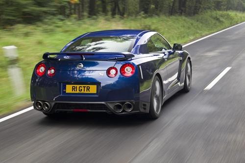 Nissan GT-R 2011.04