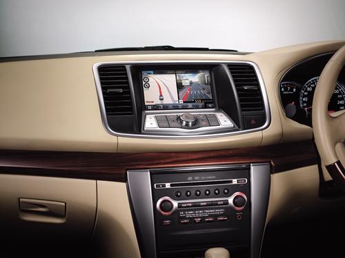 Nissan Teana 2011.03