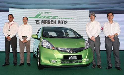 baru ini melancarkan Honda Jazz Hybrid dan paling menarik dengan harga