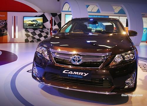 Toyota Camry Hybrid 2013.05