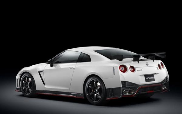 Nissan GT-R Nismo 2014.01