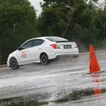08 Nissan Safety Driving Experience_Skid Control_2