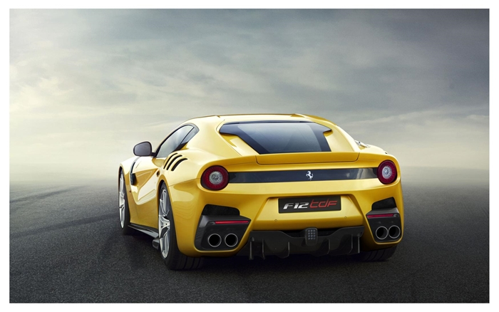 Ferrari F12tdf 2015.03
