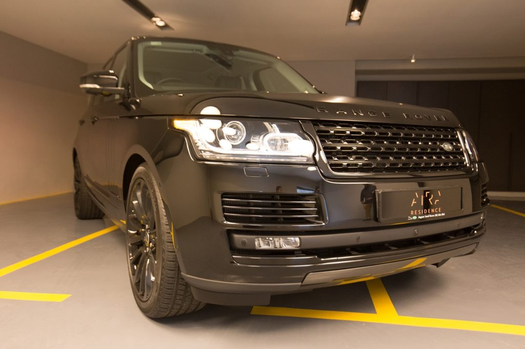 limited-edition-piet-boon-designed-range-rover-2016-03